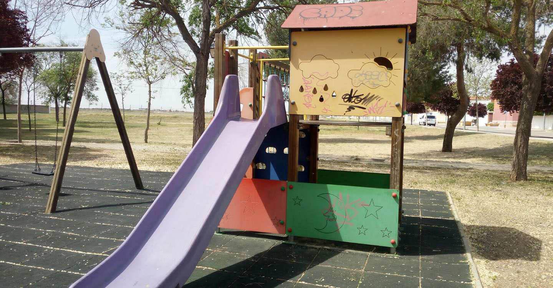 """El Psoe de Socuellamos denuncia que el PP realiza un """"lavado de cara"""" a los parques infantiles que no acaba con las graves deficiencias de estas zonas"""