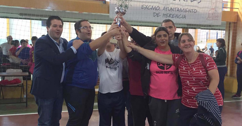Triguero comparte en Herencia una jornada deportiva con 400 usuarios de los centros ocupacionales de la provincia