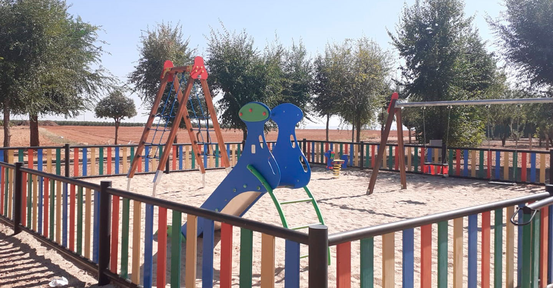 El Ayuntamiento de Torralba de Calatrava acondiciona varios parques infantiles de la localidad