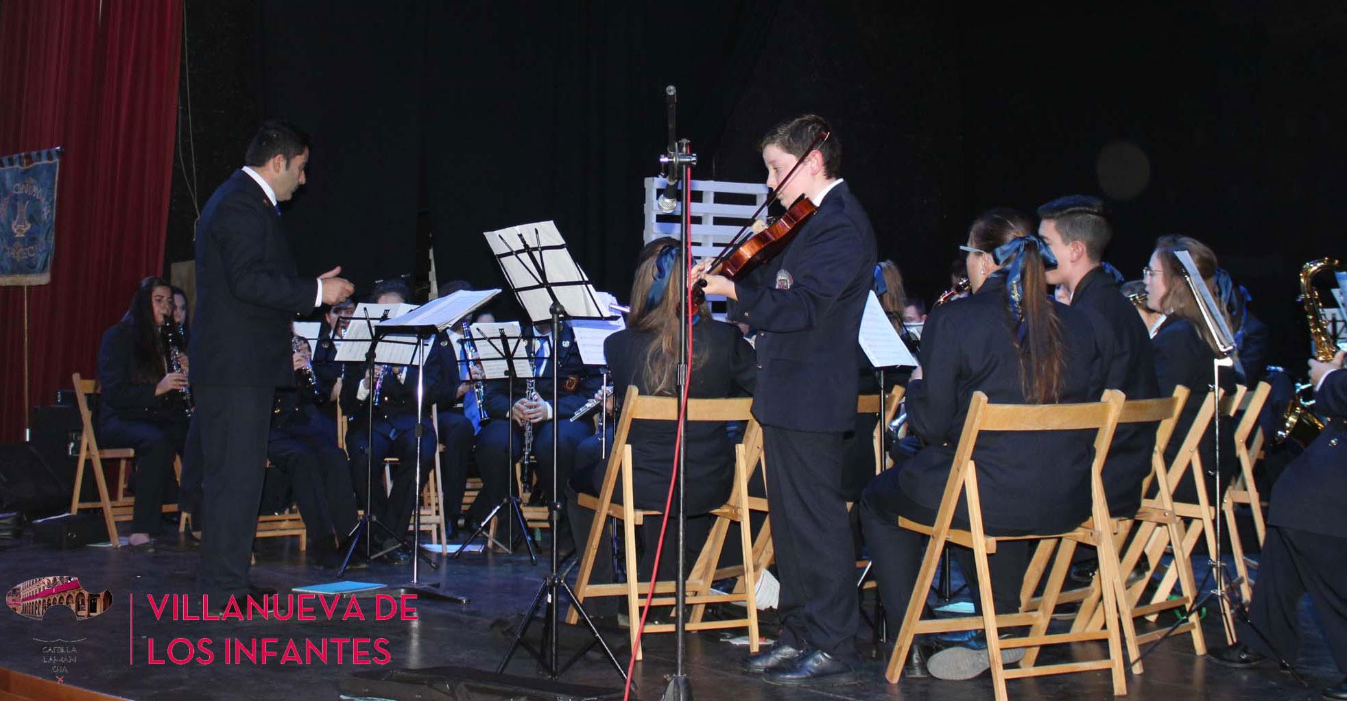 La Agrupación Musical Santa Cecilia celebró el concierto homenaje a su patrona