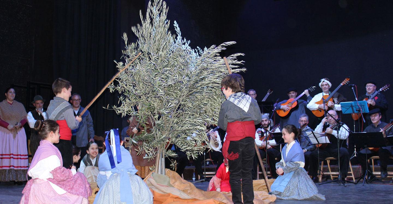 """Éxito rotundo del Concierto Solidario de Villancicos y Aguilanderos de la Asociación de Folclore """"Cruz de Santiago"""""""