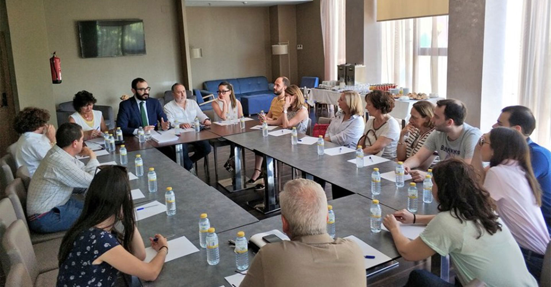 El Colegio Oficial de Farmacéuticos de Ciudad Real mantiene varias reuniones comarcales para presentar la nueva Junta de Gobierno e informar de diversos temas de actualidad