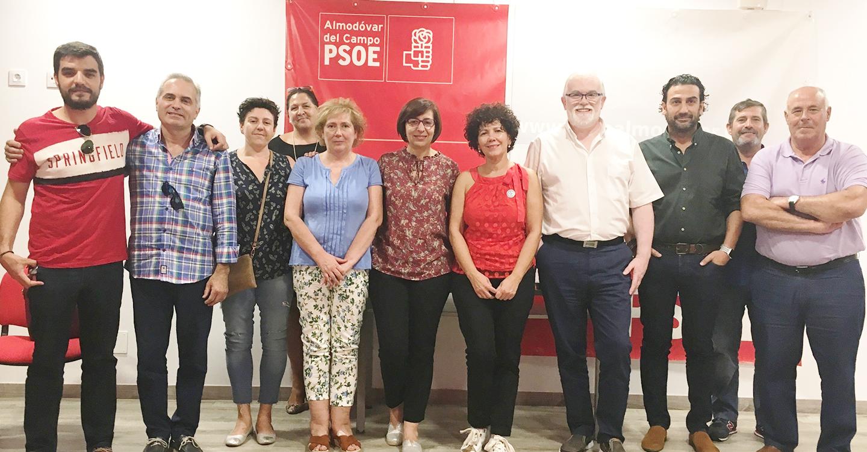 El PSOE explica a los vecinos y vecinas de Almodóvar del Campo las ventajas del Plan de Vivienda del Gobierno regional