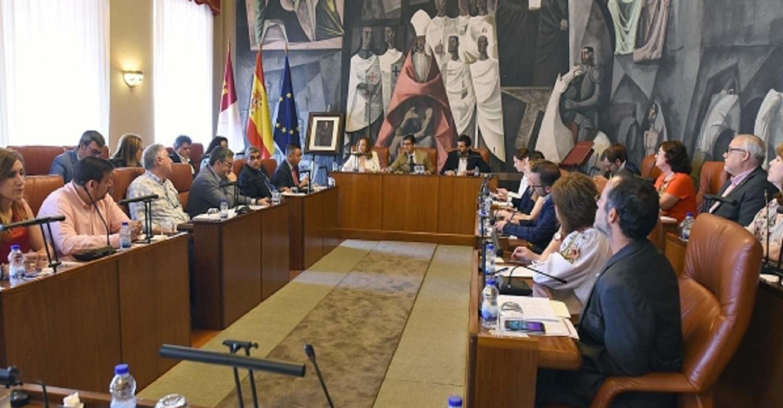 La Diputación aprueba en Pleno inversiones y ayudas en municipios por más de dos millones de euros