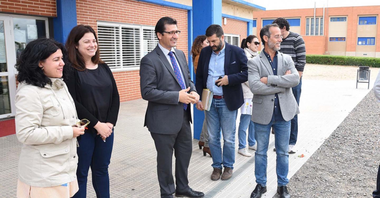 Poblete ofrece mejores servicios a los escolares y a los mayores gracias a inversiones de la Diputación que suman 164.000 euros