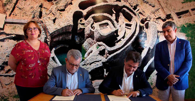 El Gobierno regional y el Ayuntamiento de Daimiel firman un convenio para el fomento de actividades y la promoción del yacimiento 'La Motilla de Azuer'