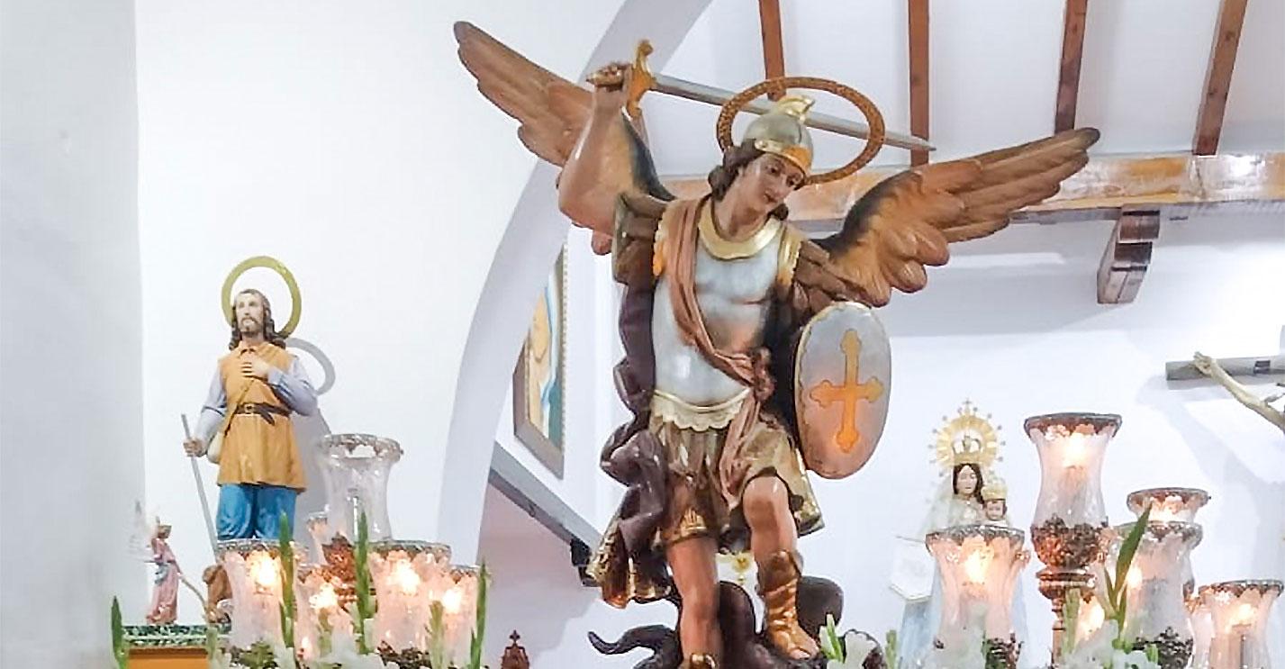 Domingo de honores a san Miguel en la pedanía de Navacerrada