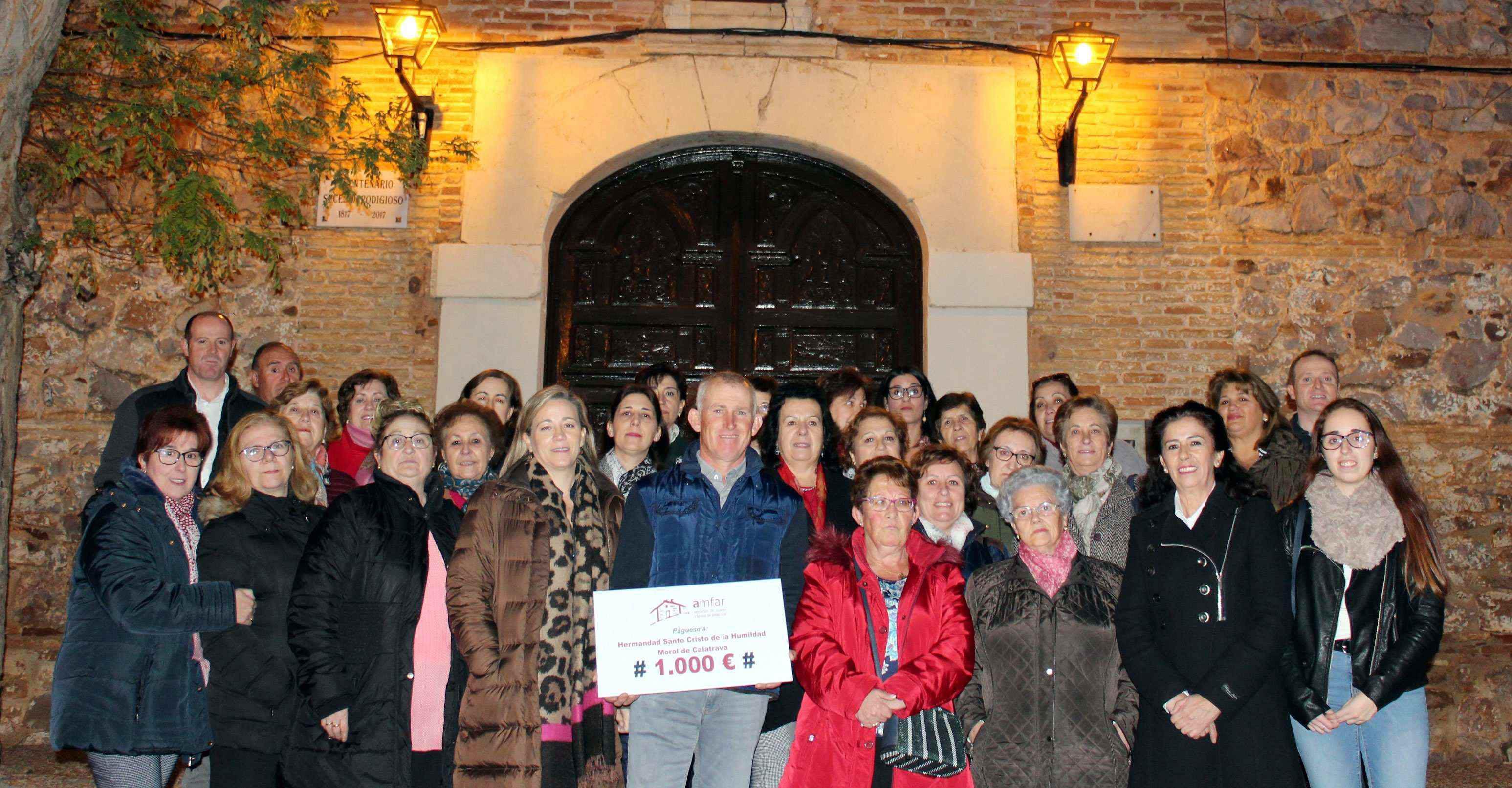 AMFAR entrega 1.000 euros a la Hermandad del Santísimo Cristo de la Humildad de Moral de Calatrava