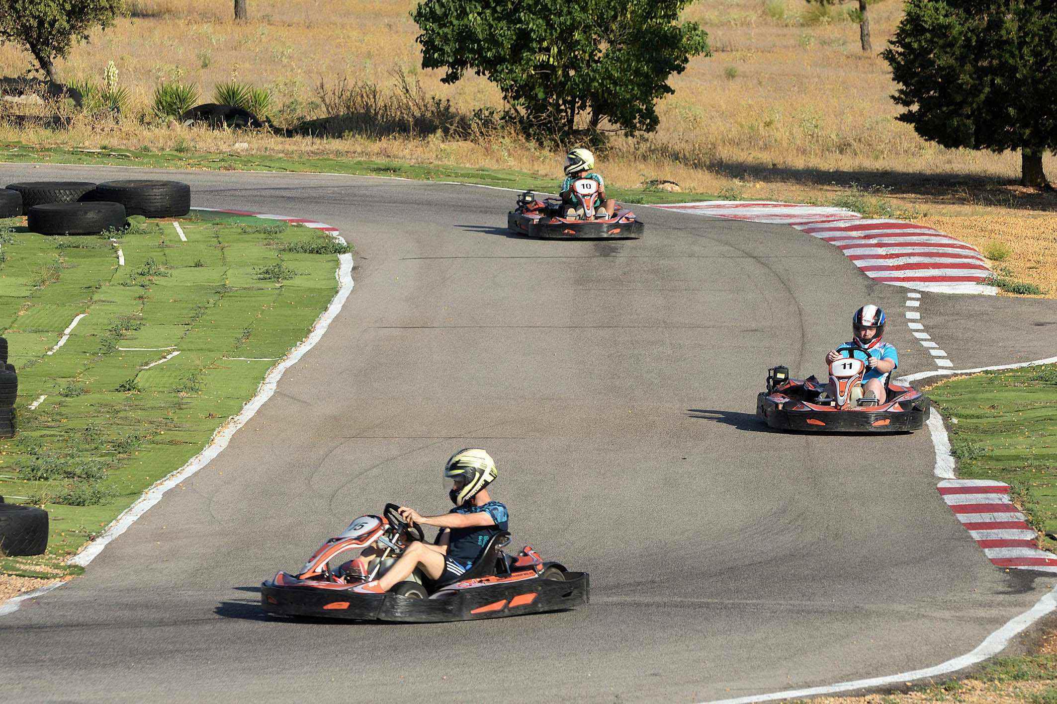 Adrenalina a todo gas en el circuito de karts con la Concejalía de Juventud