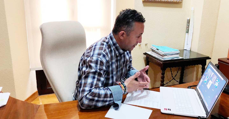 """Fernández pide a Page que deje de engañar a los castellano-manchegos y le recuerda que fue el primero en pactar con Podemos para formar un gobierno comunista en Castilla-La Mancha"""""""