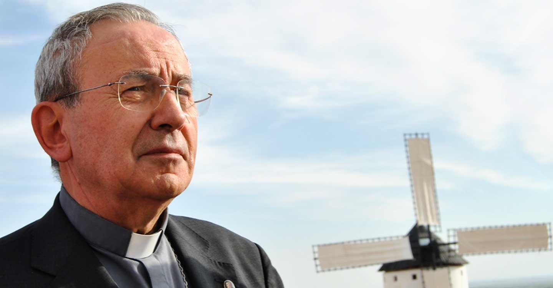 El obispo Antonio Algora se encuentra en situación muy crítica