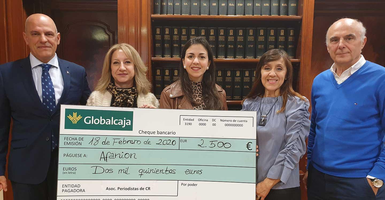 La APCR y Globalcaja entregan a Afanion los fondos recadudados en la II Gala de la comunicación
