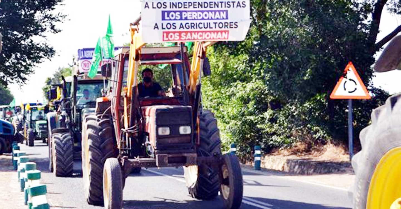 ASAJA Ciudad Real participa en la tractorada de Villarrubia de los Ojos en la defensa del regadío del Alto Guadiana