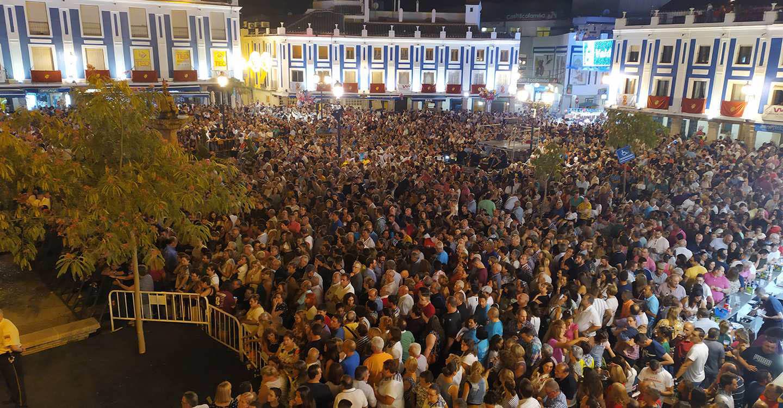 Así encandiló la voz de Paco Candela a cerca de 6.000 personas en las Fiestas del Vino de Valdepeñas