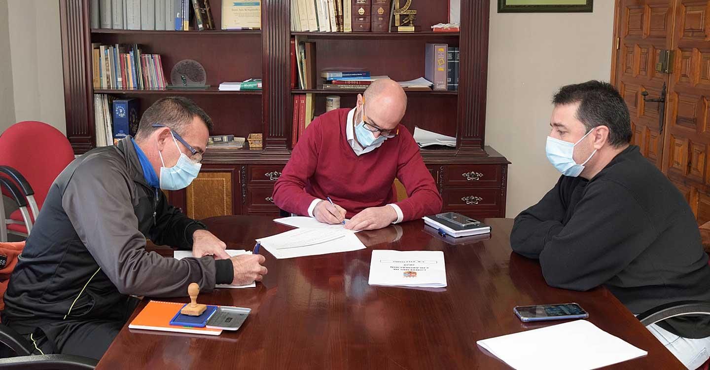 El Ayuntamiento de Argamasilla de Alba y el Club de Atletismo seguirán colaborando para impulsar la práctica de este deporte