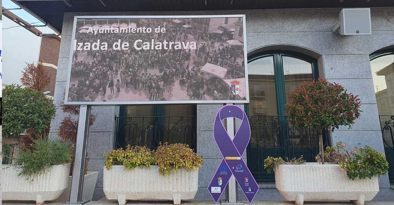 """El Ayuntamiento de Calzada de Calatrava coloca """"señales de tráfico"""" contra la violencia de género"""