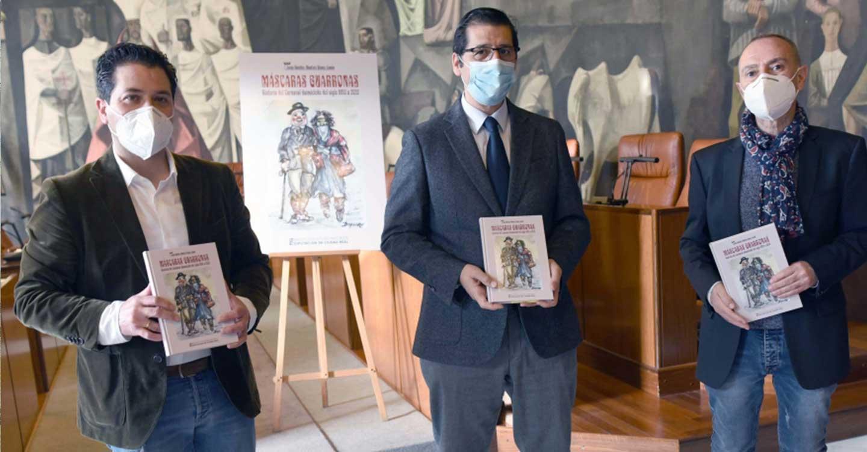 La BAM publica el libro Máscaras guarronas, un homenaje a cuatro siglos de historia del carnaval de Daimiel