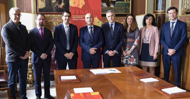 Bankia renueva su compromiso con FENAVIN y patrocinará las actividades de