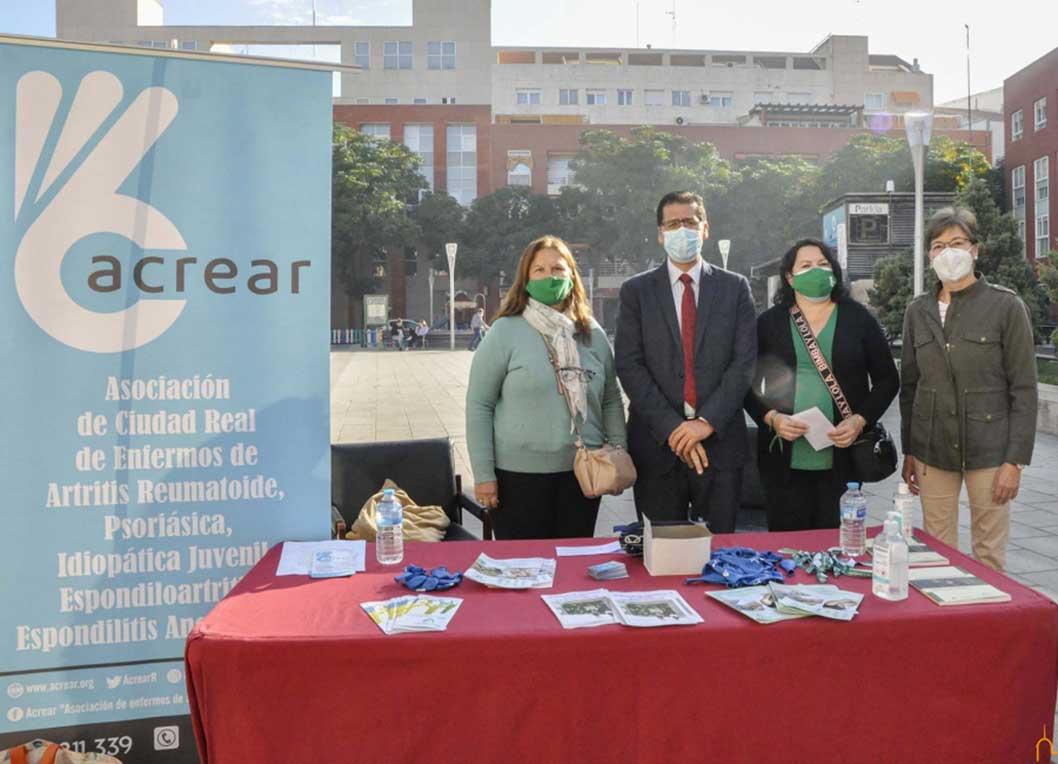 Caballero muestra su apoyo a ACREAR con motivo de la celebración de una jornada informativa sobre la artritis reumatoide