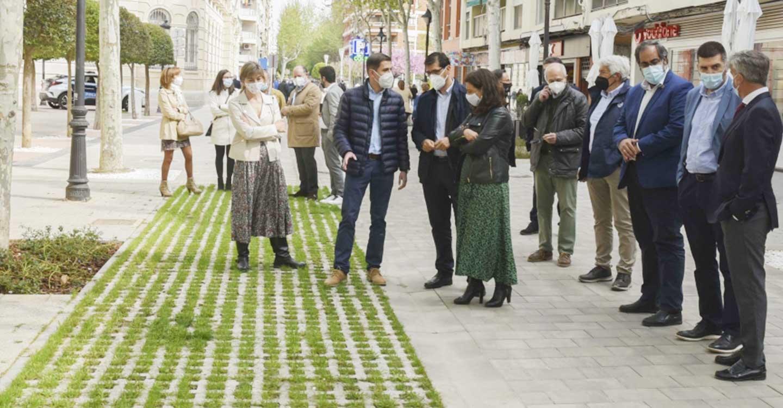 """Caballero define como """"espectacular"""" el resultado de las obras de peatonalización del centro de la ciudad"""