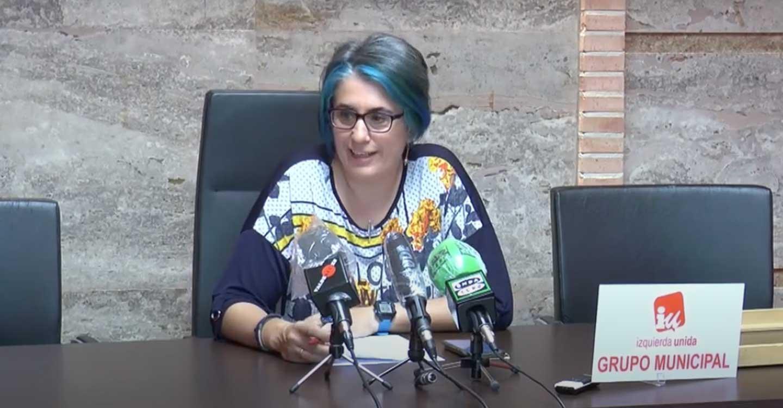 IU Valdepeñas presenta una solicitud para la excención de la cuota de julio en la escuela infantil de cachiporro