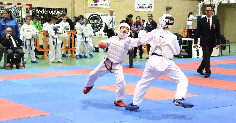 Los mejores karatekas de Castilla-La Mancha compitieron en Manzanares