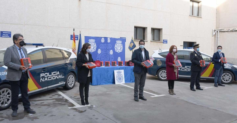 La Diputación de Ciudad Real posibilita que Ciudad Real sea la primera provincia de España en dotar a los coches de la Policía Nacional con desfibrilador