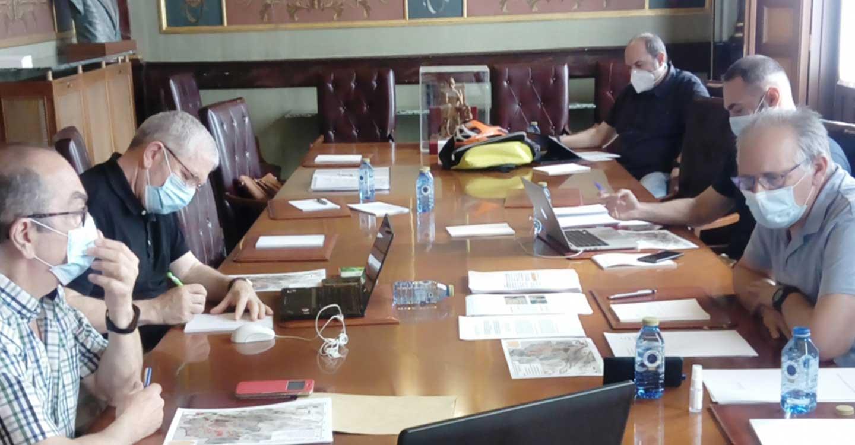 """El comité científico ha mantenido reuniones con el objetivo de establecer los límites del Proyecto """"Geoparque Volcanes de Calatrava. Ciudad Real"""""""