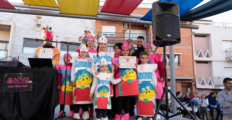 Ingenio, colorido y humor compartieron protagonismo en el concurso de adultos del Carnaval de Porzuna