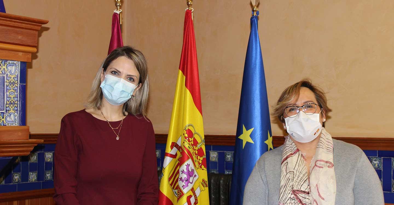 La delegada de la Junta de Comunidades ofrece a la cónsul de Rumanía en Ciudad Real la plena colaboración del Gobierno de Castilla-La Mancha