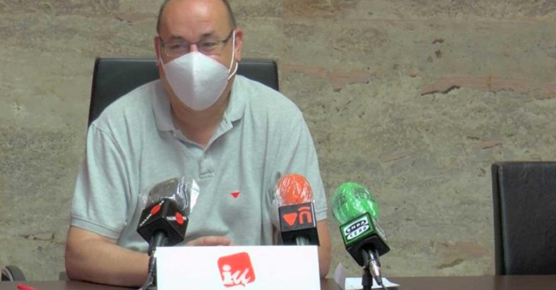 IU Valdepeñas solicita la mejora del contrato de ayuda a domicilio en la localidad