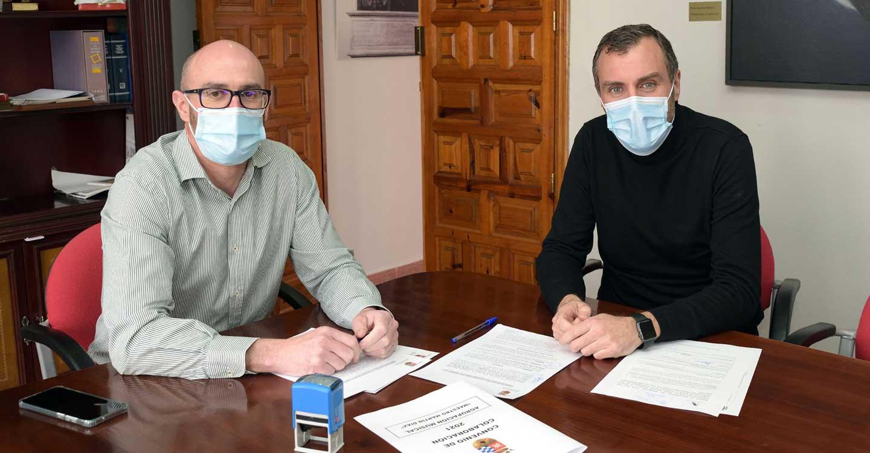 Firmado el convenio de colaboración entre el Ayuntamiento y la Maestro Martín Díaz