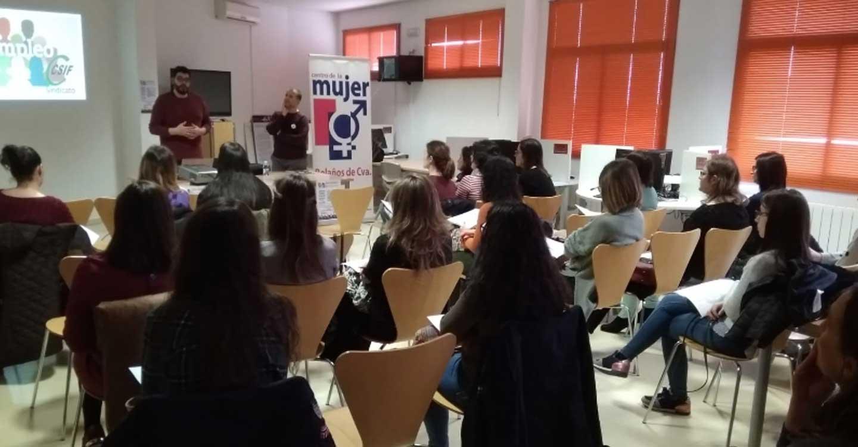 CSIF informa a desempleadas de Manzanares y Bolaños de Calatrava sobre las próximas convocatorias de oposiciones