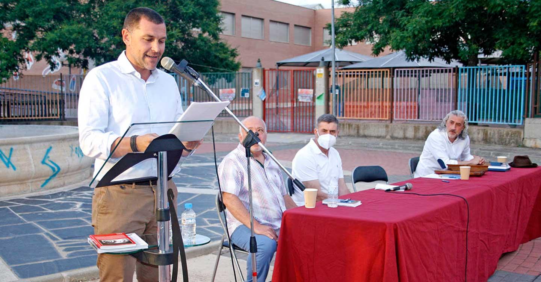 La presentación de 'Los colores del Tassili y otros relatos' se convirtió en un interesante acto cultural y una gran demostración de oratoria