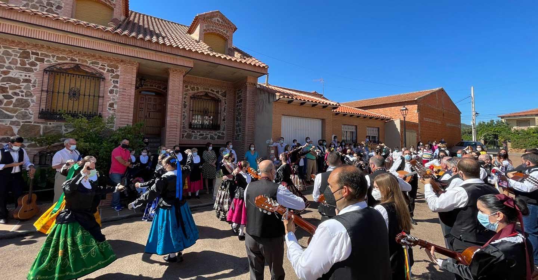 Devoción, tradición y mucha emoción centraron la festividad del Corpus Christi en Porzuna