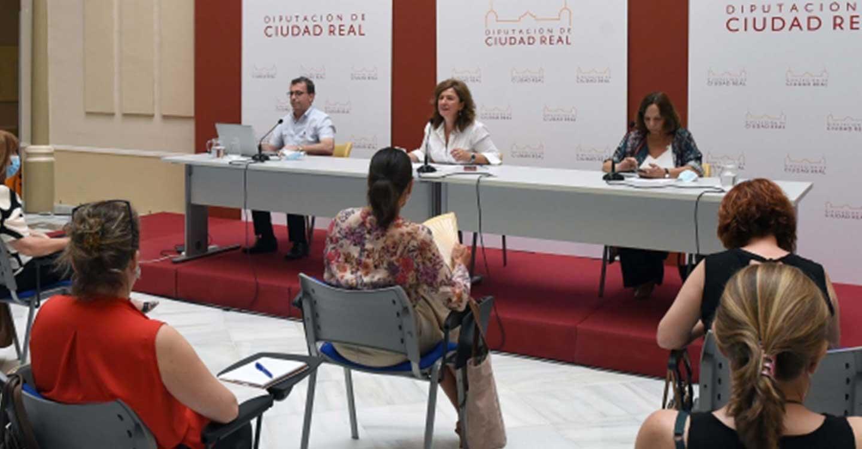 La Diputación de Ciudad Real y el Instituto Nacional de la Seguridad Social imparten una jornada técnica para acercar el Ingreso Mínimo Vital a los alcaldes y trabajadores sociales