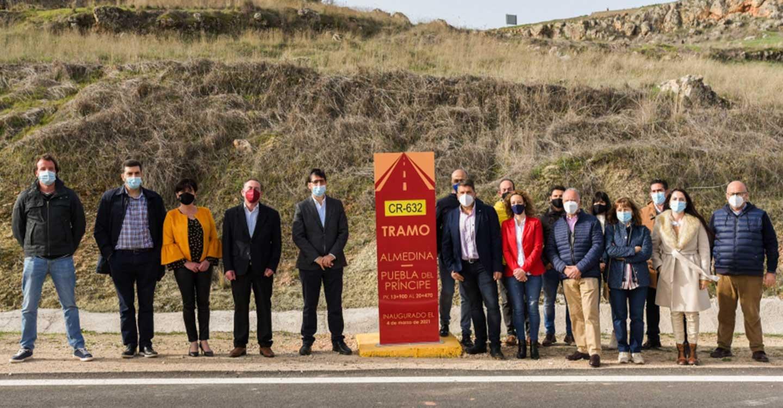 La Diputación de Ciudad Real compromete inversiones en las carreteras del Campo de Montiel para incentivar el desarrollo económico y la movilidad de los vecinos en condiciones de seguridad