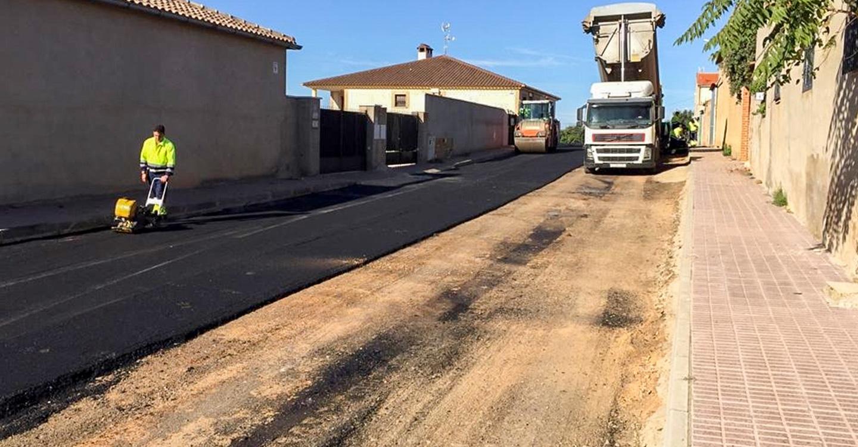 El Ayuntamiento de Almodóvar del Campo invierte 23.000 euros en asfaltados para dos pedanías