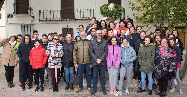 El IES Vicente Cano y los Académicos de la Argamasilla homenajean a Miguel de Cervantes