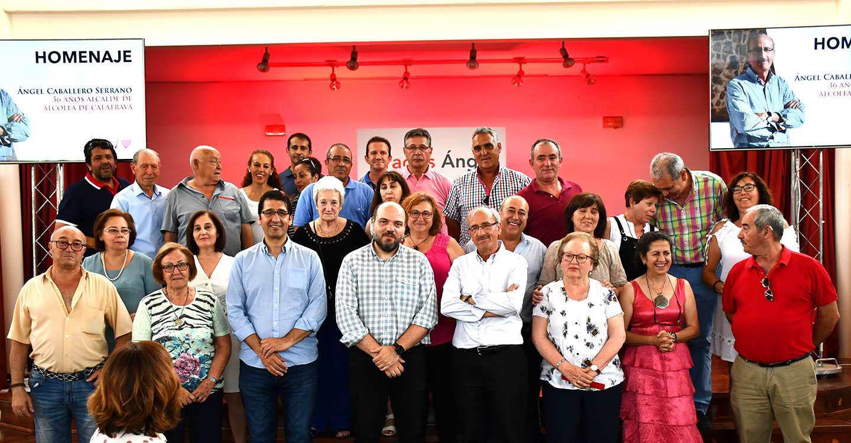 """El PSOE de Alcolea de Calatrava rinde un emotivo homenaje a Ángel Caballero """"por toda una vida de servicio a los demás"""""""