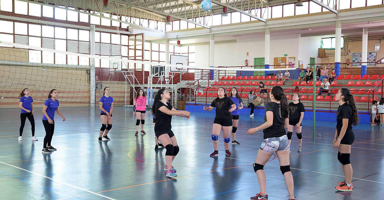 """El voleibol cierra su primer año en las EE. DD. Municipales con """"muy buena acogida"""""""