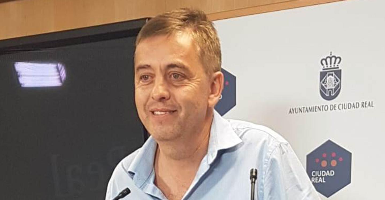 """Enrique Belda insta al equipo de Gobierno a realizar una limpieza de los colegios """"detenida y a fondo"""" durante el verano"""