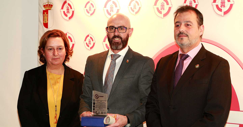 La Federación de Tiro Olímpico de CLM reconoce al Ayuntamiento de Argamasilla de Alba por su apoyo a este deporte