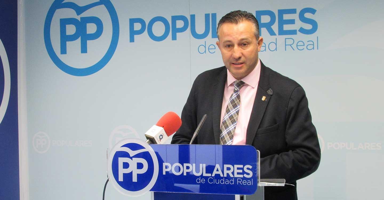 """Fernández afirma que el PSOE """"es una máquina de crear parados"""" y lamenta que 1.384 vecinos de la provincia hayan perdido su puesto de trabajo en el último mes"""