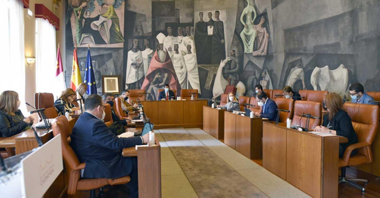La Diputación de Ciudad Real aprueba financiación para que los primeros proyectos del IDAE posibiliten una inversión de 7'6 millones de euros en 22 pueblos de la provincia