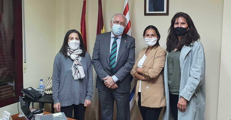 Francisco Pérez Alonso traslada a la alcaldesa de Ruidera el respaldo del Gobierno de Castilla-La Mancha a las iniciativas municipales