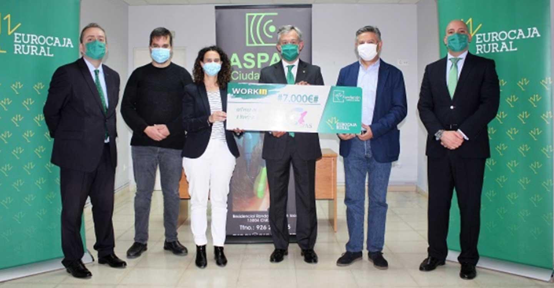 Fundación Eurocaja Rural entrega 7.000 euros a ASPAS Ciudad Real por su proyecto de intermediación laboral en favor de las personas con discapacidad auditiva