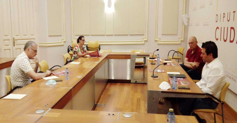 """""""Geoparque Volcanes de Calatrava. Ciudad Real"""" se reúne con el Ayuntamiento de Ciudad Real para establecer líneas de actuación culturales y gastronómicas dentro del proyecto"""