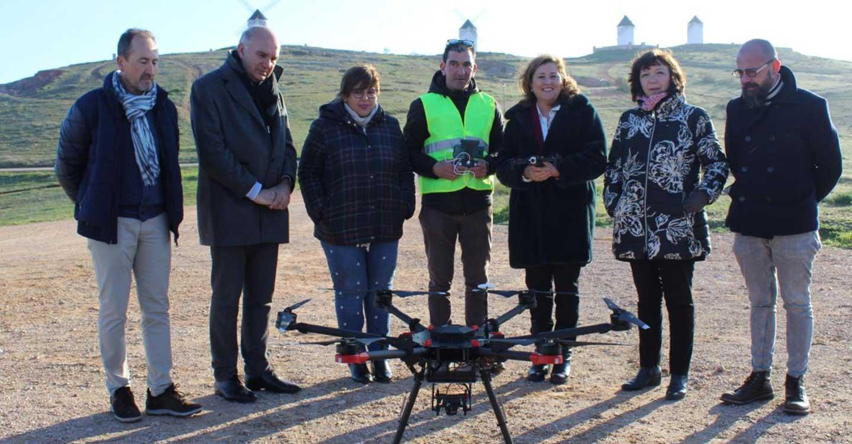 El Gobierno regional pone en marcha el primer curso oficial de piloto de drones para docentes de Formación Profesional