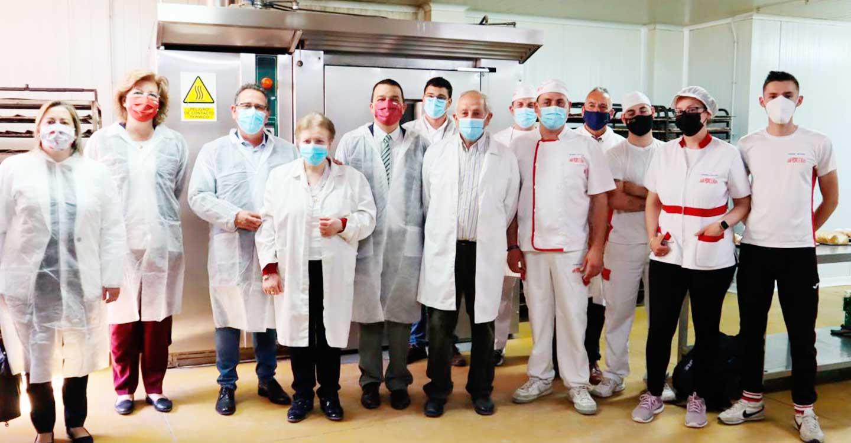 El Gobierno de Castilla-La Mancha apoya a la IGP Pan de Cruz de Ciudad Real y el trabajo de las siete panaderías certificadas que lo elaboran